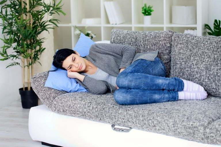 При боли при месячных важно расслабиться